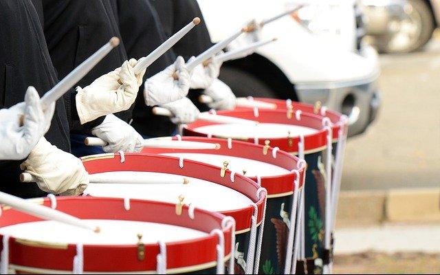 drummers-642540_640